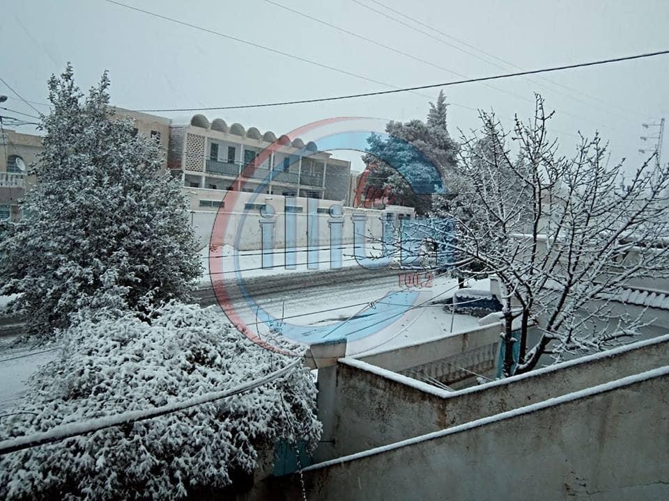 معتمديات القصرين :  تساقط الثلوج يجدد مخاوف المواطنين