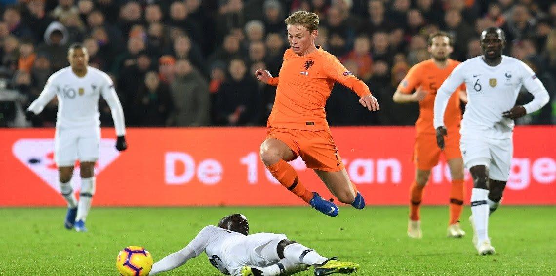 برشلونة يتعاقد مع الهولندي دي يونغ