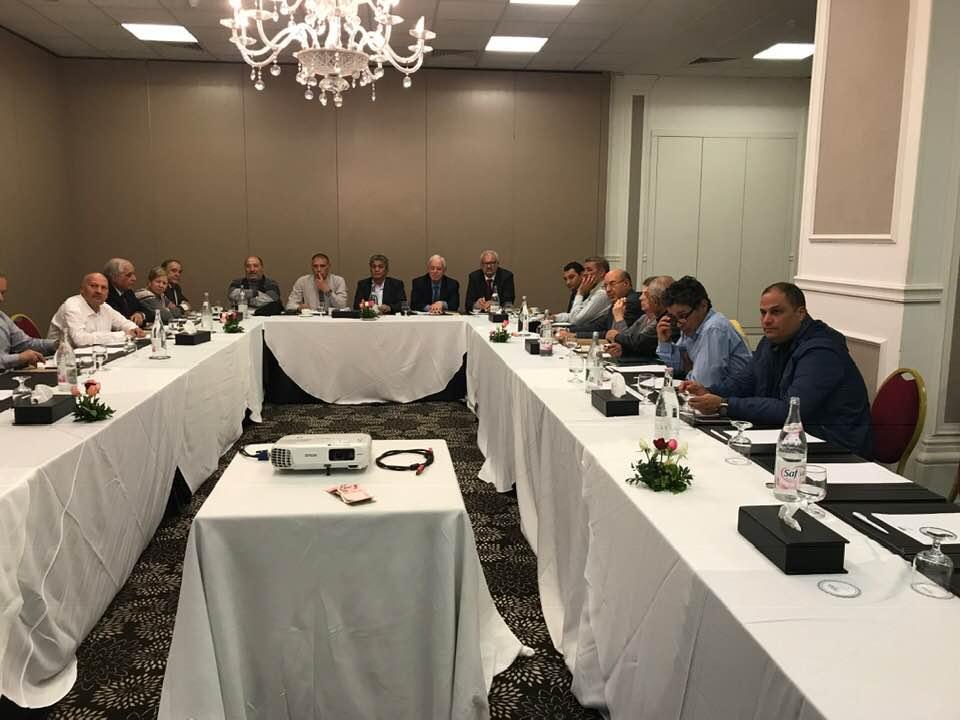 نداء تونس : المكتب التنفيذي يطالب قايد السبسي  بتشكيل لجنة لتسيير الحزب