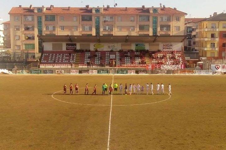 صورة من الدرجة الثالثة في ايطاليا، فريق برو بياشينزا بدأ المباراة بسبعة لاعبين فقط وخسر