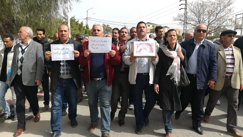 الأطباء في المستشفيات العمومية يدخلون يوم 4 أفريل القادم في إضراب عام