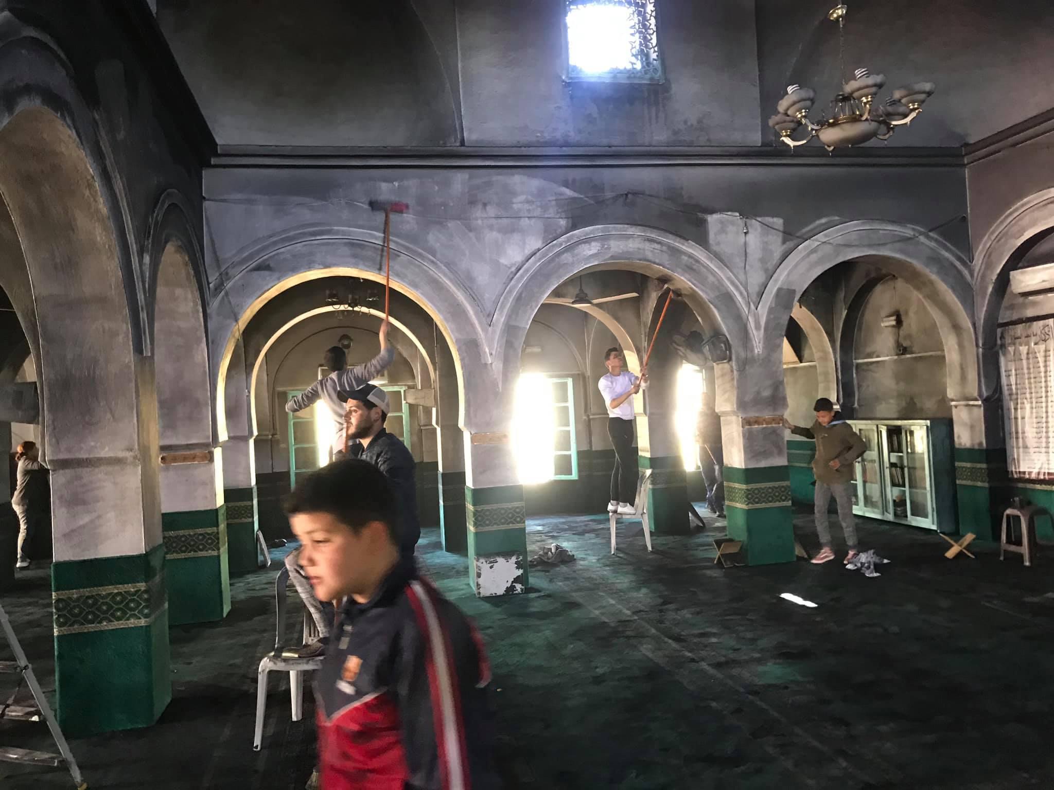 مسجد العبادلة :اثر احتراقه الشباب يتطوع لتنظيفه