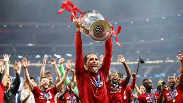 فان دايك يفوز بافضل لاعب في المباراة النهائية بدوري أبطال أوروبا لكرة القدم