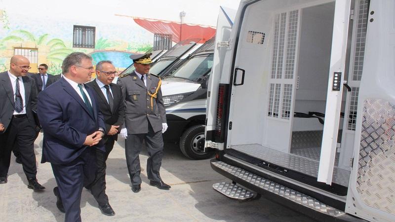 تسليم دفعة من سيارات نقل المساجين في إطار هبة مقدّمة من الولايات المتحدة الأمريكية للإدارة العامة للسجون والإصلاح