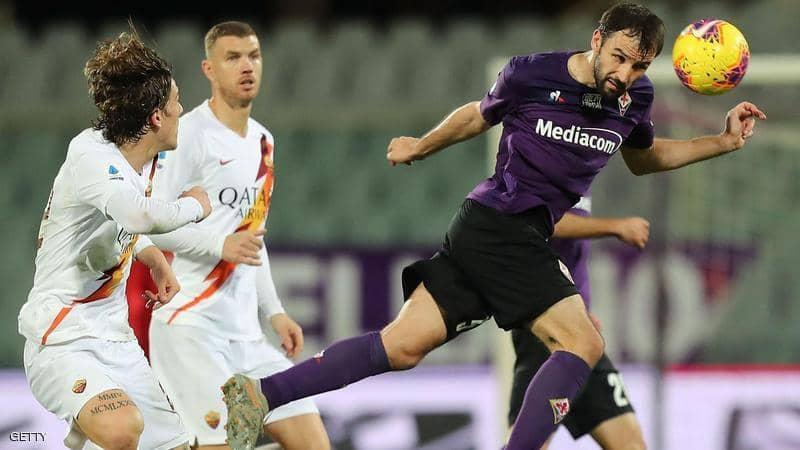 روما يطارد فرق المقدمة بعد فوز ساحق على فيورنتينا