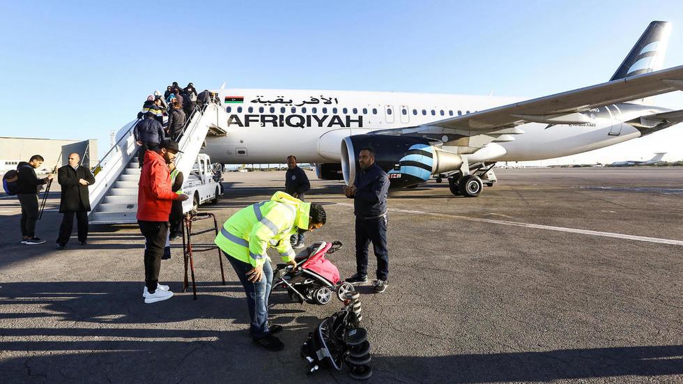 ليبيا: إغلاق مطار معيتيقة الدولي في طرابلس بعد تهديد حفتر بإسقاط كل الطائرات فوقه
