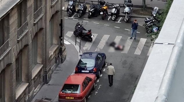 عملية طعن في باريس.. و مقتل منفذ الهجوم