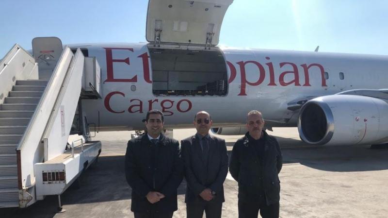شحنة المساعدات الطبية تصل مطار قرطاج