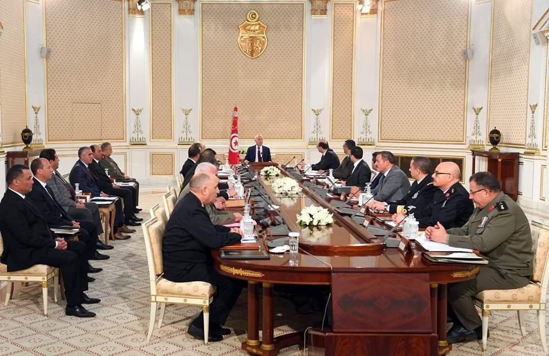 رئيس الدولة يؤكد على ضرورة اتخاذ قرارات إضافية لمحاصرة والقضاء على فيروس كورونا