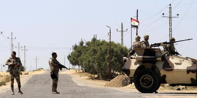 مصر.. مقتل وإصابة 10 عسكريين في هجوم إرهابي بسيناء