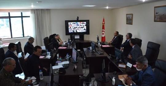 وزير الداخلية يتوجه إلى الولاة بتعليماته للإحاطة بالفئات الضعيفة والحرص على ضمان التزود بالمواد الغذائية