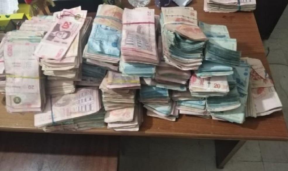حاسي الفريد : القبض على 05 أشخاص وحجز 154 ألف دينارا وكمية هامة من المشروبات الكحولية