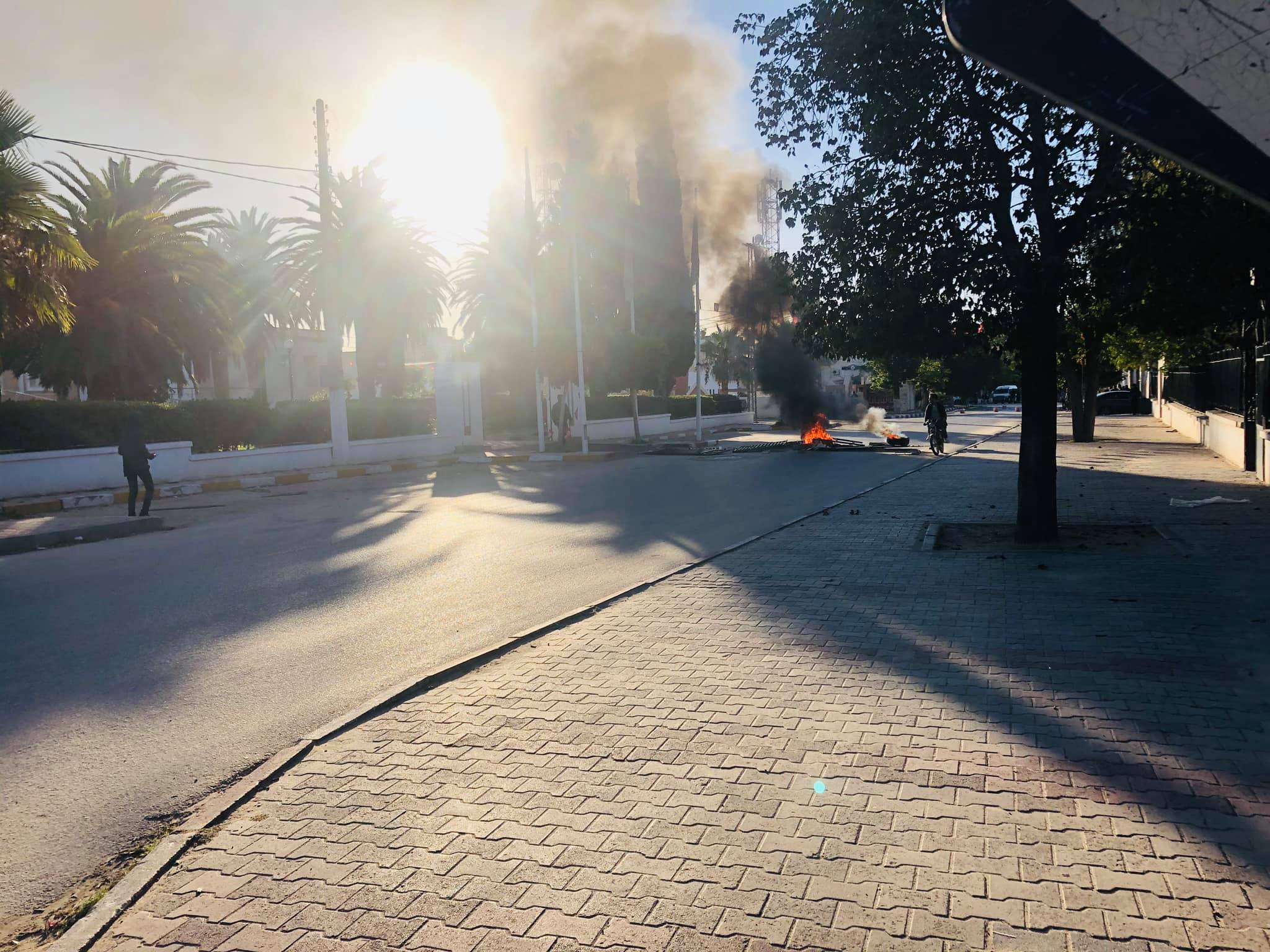 سبيطلة: احتجاجات اثر وفاة شخص أثناء تنفيذ حملة لهدم البناءات الفوضوية