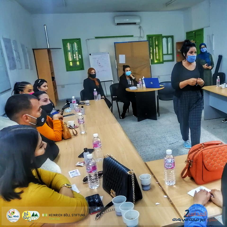 مديرة دار الشباب المتنقلة 1: الولاية تتنصل من مسؤوليتها في صيانة وحماية دور الشباب الريفية