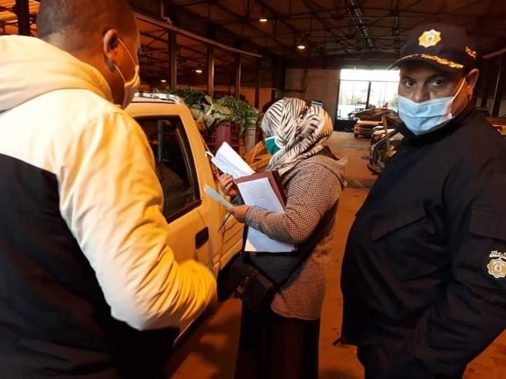 تحويل جميع السيارات المحملة بالخضر و الغلال بوسط مدينة القصرين وإعادة ضخها بسوق الجملة
