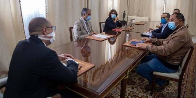 القصرين:وقفة احتجاجية لجمعية الائمة  تنديدا بقرار غلق المساجد