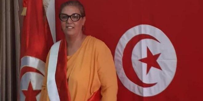 القصرين: رئيسة بلدية النور تتبرع بمرتبها لفائدة قسم الكوفيد 19 بالمستشفى الجهوي