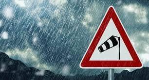طقس الثلاثاء: أمطار متفرقة وانخفاض نسبي في درجات الحرارة