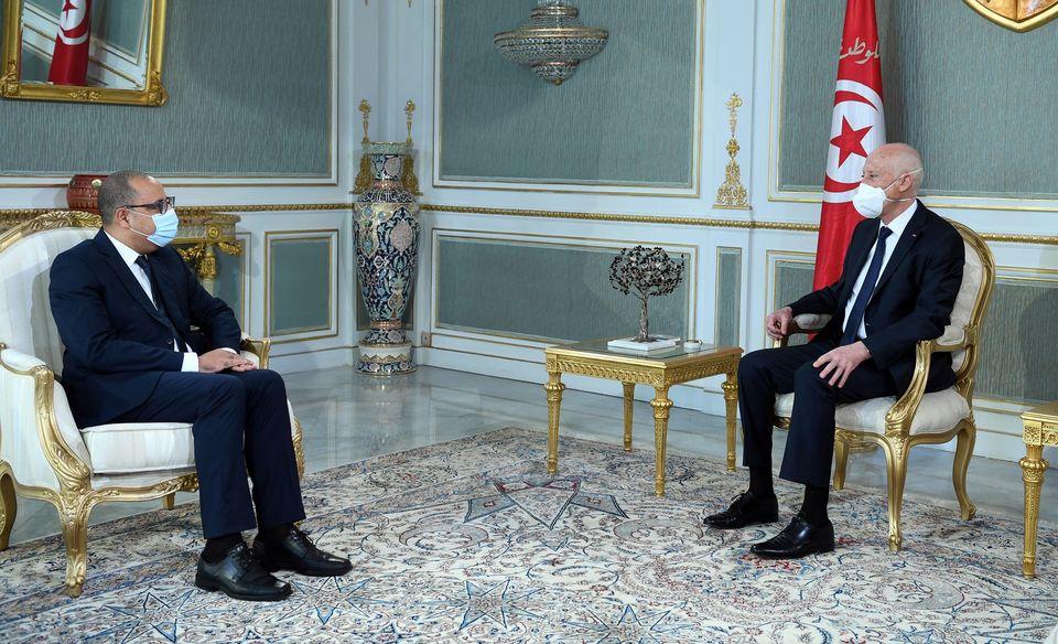 التحضير لإطلاق حملة التلقيح ضد فيروس كورونا،أبرز محاور لقاء رئيس الجمهورية برئيس الحكومة